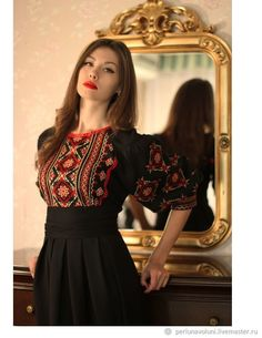 Elegant black dress with red and gold embroidery Stylish Dress Designs, Designs For Dresses, Stylish Dresses, Simple Dresses, Casual Dresses, Designer Party Wear Dresses, Kurti Designs Party Wear, Indian Designer Outfits, Frock Fashion