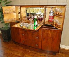 Elegant Antique Pop Open Art Deco BAR Wine LIQUOR CABINET ~ Walnut ~Fitted ~Mirrors  Old