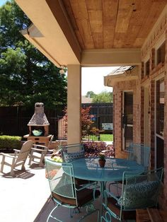 Gorgeous Wood Plank Outdoor Ceiling Backyard Projects, Outdoor Projects, Diy Projects, Backyard Ideas, Outdoor Ideas, Project Ideas, Garden Ideas, Decks And Porches, Outdoor Christmas Decorations