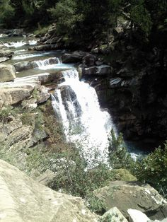 Parque Nacional de #Ordesa y Monte Perdido #travel #viajar National Park #Huesca Aragón #Aragon #montanas montañas #mountains #paisajes #landscape #pirineos #pyrenees #bosque #forest #cascada #catarata #waterfall