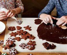 Čokoládové perníčky | Recepty Albert Gingerbread Cookies, Desserts, Rum, Food, Gingerbread Cupcakes, Tailgate Desserts, Deserts, Essen, Postres
