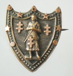 RARE OLD BROOCH ST. JOAN OF ARC .  MEASUREMENT: 1 AND 1/16 x 7/8.