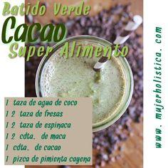 Para más beneficios de los ingredientes de este batido ve a:  http://retobatidos.com/dia-4-batido-cacao-superalimento/  INGREDIENTES 1 taza de Agua de coco ½ taza de fresas ½ taza de espinaca ½ cdta. de maca 1 cdta. de cacao una pizca de pimienta cayenne INSTRUCCIONES Licuar todos los ingredientes juntos hasta que quede cremoso. Sirve inmediatamente.
