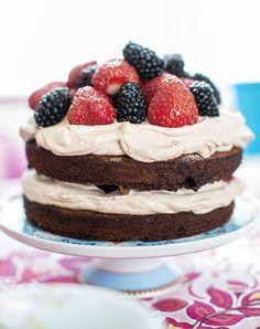 Suklaa-mascarponekakku. Chocolate and mascarpone cake.   Unelmien Talo&Koti Kuva: Hanne Manelius