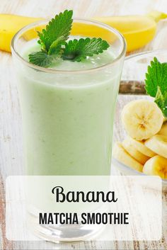 Smoothie Recipes - Make our banana matcha green tea smoothie recipe and make your Monday marvelous. This power-packed matcha smoothie is the perfect way to start your week. Matcha Green Tea Smoothie, Matcha Drink, Tea Smoothies, Protein Smoothies, Breakfast Smoothies, Smoothie Drinks, Juice Smoothie, Milk Protein, Green Smoothies
