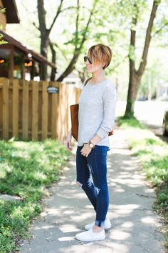 this modest fashion blogger has amazing style and a great short hair cut