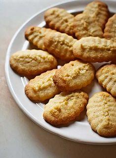 Cómo hacer galletas de mantequilla con Thermomix. EXCELENTE, pero reduzco el azúcar a 100 g porque quedaban excesivamente dulces con la receta original.