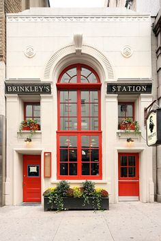 What to Eat at Brinkley's Station, Opening Tonight in East Midtown -- Grub Street New York