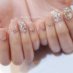 Once you've ticked off the wedding dress and venue, narrowed down the guest list and picked your perfect undo, the only thing left to do is find your suitable wedding nails. If you're subtle… Korean Nail Art, Korean Nails, Korean Art, Perfect Nails, Fabulous Nails, Pink Nails, My Nails, Jewel Nails, Grow Nails