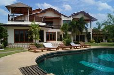 http://www.thailand-property.com/real-estate-for-sale/7-bed-villa-chonburi-pattaya-pattaya-city_50849