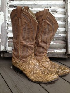 Tan Snakeskin Cowboy Boots Men's Size 9.5 by TheDoveCoteBrocante