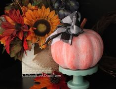 How to Make a DIY Updated Dollar Store Pumpkin to Farmhouse Style Decor - DIY Gartendekor Dollar speichert Dollar Tree Pumpkins, Plastic Pumpkins, Foam Pumpkins, Glass Pumpkins, Fabric Pumpkins, Pumpkin Vase, Pumpkin Topiary, Diy Pumpkin, Purple Pumpkin
