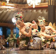 Traditional Dancer. Jogjakarta, Indonesia. || More info please visit instagram.