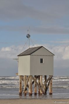 by the sea I Love The Beach, Am Meer, Summer Breeze, Beach Cottages, Seaside, Netherlands, Beach House, Coastal, Surfing