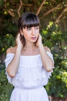 White Lace - off the shoulder TopShop dress | country side photoshoot | Long ombre hair with bangs | Topshop geometric nude bag | Click through for the full photoshoot @ http://www.hedonistit.com