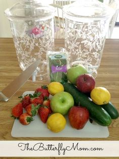 Want to make your own spa water? It is super easy to make your own fruit flavored water!