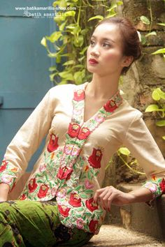 Proudly presents: Batik Amarillis's Sugar and spice ... from Indonesia with Love.... lovely Kebaya , Javanese's traditional blouse features Hungarian Embroidery with Batik Wonogiren Sarong.