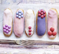 Mini Eclairs Recipe ☕ Afternoon tea goes glam with these Paris patisserie-style choux pastry fingers with berry liqueur cream filling. Profiteroles, Eclairs, Bbc Good Food Recipes, Yummy Food, Eclair Recipe, Festa Party, Macaron, Cookies, High Tea