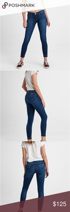 Hudson KRISTA CROP SUPER SKINNY RELEASE HEM JEANS The Krista Ankle Super Skinny jean is the slimming silhouette of the season, contouring the legs before sitting just at the ankle. In a stretch fabric that offers a super soft hand fell, these super skinny jeans feature an on-trend released hem, and are finished with our Dream On wash. Hudson Jeans Jeans Skinny