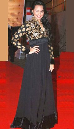 Grab the latest collection of bollywood party wear #SalwarKameez in black online.. http://bit.ly/1u4Kfcb