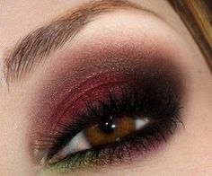 cranberry eye with a little green on the bottom..so pretty