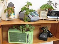 Afbeeldingsresultaat voor old phone planters