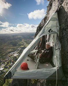 Världens första hängande hotell i Sverige