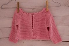 How to knit baby sweater/cardigan top down (Garter Stitch) Knitting Videos, Crochet Videos, Crochet Baby Cardigan, Knit Crochet, Knitting For Kids, Baby Knitting, Knitting Designs, Sewing Clothes, Kids And Parenting