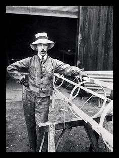 Alberto Santos-Dumont, Brazilian aviation pioneer, 1906