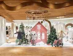 Discover the feeric atmosphere of the Bonpoint Christmas at a special Bonpoint pop up store at Isetan department store in Tokyo, Japan until November 24th #BonpointHolidays #popupstore #christmas #isetan