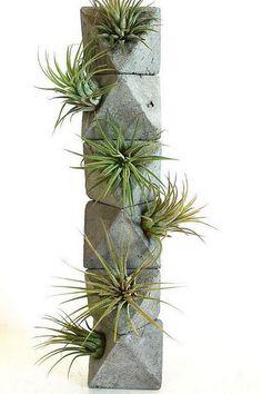 Octahedron Totem with Air Plants - Heart Chakra - Concrete Planter - Sacred Geometry Cement Art, Concrete Crafts, Concrete Projects, Concrete Furniture, Concrete Lamp, Concrete Planters, Diy Planters, Rock Planters, Beton Design