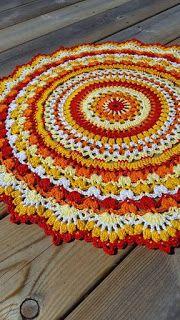 Paradisfrun Virkar: Mandala Summer Splendor Diy Crochet Patterns, Crochet Mat, Crochet Carpet, Crochet Mandala Pattern, Crochet Basket Pattern, Crochet Circles, Crochet Doilies, Crochet Hooks, Crochet Projects