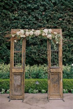 Vintage Weddings » 21 Shabby Chic Vintage Wedding Ideas You Cannot Resist! » ❤️ See more: http://www.weddinginclude.com/2017/06/shabby-chic-vintage-wedding-ideas-you-cannot-resist/ #shabbychicwedding