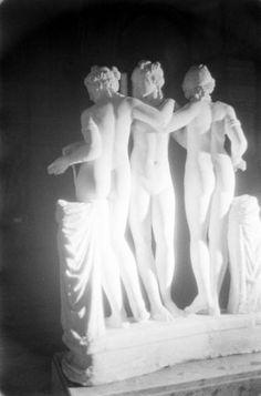 Loomis Dean, Louvre at Night, 1958.
