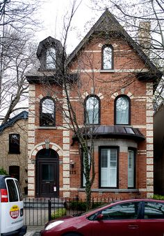 A house on Hazelton Avenue in Yorkville, Toronto.