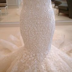 ...Bottom of a wedding dress!!!!! For someday <3