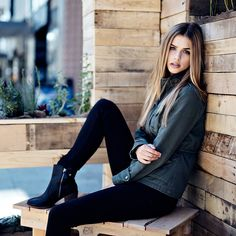 "Marina Laswick - ""Need friends in LA // @trungywin """