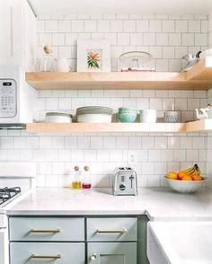 Bookmark this to brighten up your space with these mint kitchen home decor ideas.