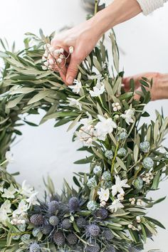 anderson + grant: Friday Favorites Winter Christmas, Fresh Christmas Wreaths, Christmas Reath, Handmade Wreaths Christmas, Green Christmas, Christmas Ring, Christmas Plants, Christmas Wreaths For Front Door, Christmas Greenery