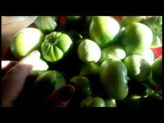 Gogonele murate pentru iarna la borcan cu saramura. Petunias, Fruit