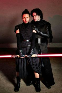 Character: Rey (dark side version) and Kylo Ren Fandom: Star Wars  Cosplayers: unknown