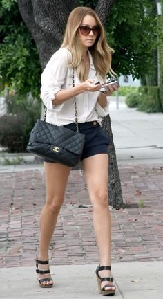 Lauren Conrad: the purse & the shoes make this outfit