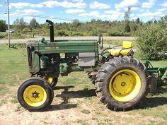 Old John Deere tractors Antique Tractors, Vintage Tractors, Old John Deere Tractors, Tractor Pictures, Rubber Tires, Old Trucks, Wood Burning, Horses, Board