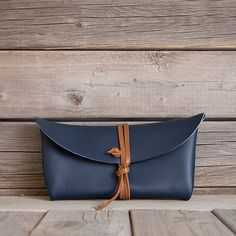 Wrapper Clutch / Navy
