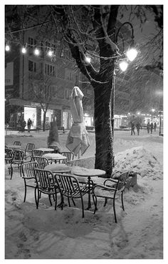 Night in Sofia Film, Outdoor Furniture, Outdoor Decor, Olympus, Bench, Park, Night, Photography, Movie