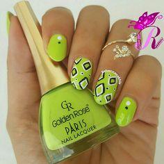 هذه #أظافر اليوم  Green, White and Black Geometric Nails using Golden Rose-Paris #259