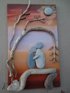 The combination of color and rock is stunning in the rock art! Stone Crafts, Rock Crafts, Arts And Crafts, Pebble Pictures, Stone Pictures, Deco Nature, Rock And Pebbles, Sea Glass Art, Beach Crafts