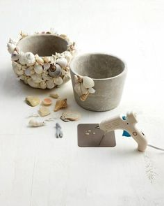 Shell Garden Pots How-To - Martha Stewart Crafts manualidades diy crafts Seashell Art, Seashell Crafts, Beach Crafts, Crafts To Sell, Crafts For Kids, Arts And Crafts, Diy Crafts, Children Crafts, Shell Crafts Kids