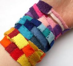 Another one for the school holiday projects list! This cute little Felt Scrap Bracelet from Bugs and Fishes is very cool and quite simple to do. Head on over there to find out how to make one :)