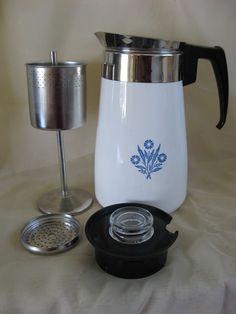 Corningware Vintage, Vintage Dishware, Vintage Tea, Vintage Kitchen, Vintage Pyrex, Antique Dishes, Antique Glassware, Vintage Tupperware, Vintage Oddities